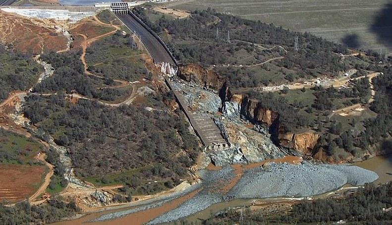 Oroville Dam 2-28-2017